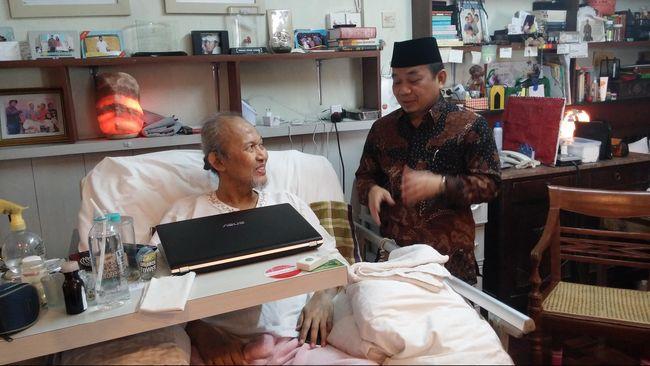 Setahun kemarin, pada Maret 2014, Pepeng juga mengalami serangan jantung dan dirawat di rumah sakit. Kali ini, jantungnya tak sanggup berdetak lagi.