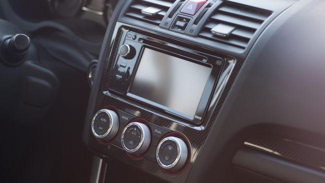 Apa yang sebenarnya terjadi bila tidak mematikan AC mobil? Berikut penjelasannya.