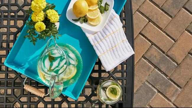 Air Lemon Dingin Bisa Bantu Turunkan Berat Badan