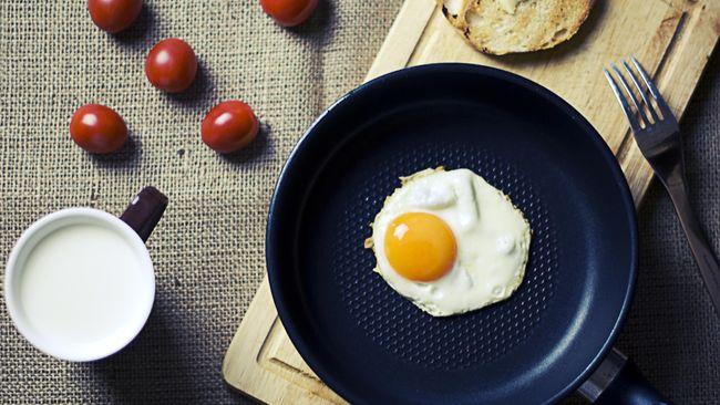 Makanan sehat umumnya rendah kalori dan memenuhi kebutuhan nutrisi harian. Berikut makanan yang membuat berat badan turun yang bisa ditambahkan ke menu diet.