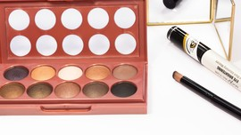 Makeup Rasa 'Tolak Angin', Terbuat dari Bahan Herbal