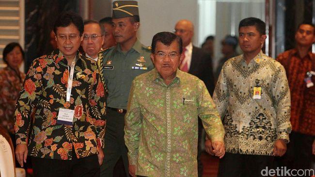 Wakil Presiden Jusuf Kalla telah tiba di Solo Kamis siang. Kunjungan JK kali ini dalam rangka menghadiri acara resepsi pernikahan putra sulung Joko Widodo.