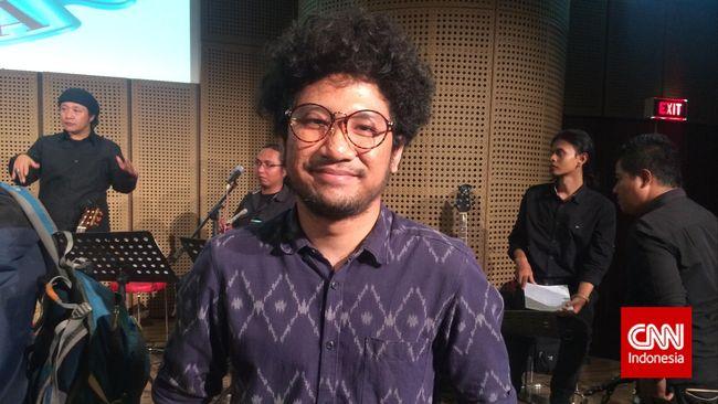 Kunto Aji mengaku dalam menggarap album barunya, 'Mantra Mantra', ia perlu berkonsultasi ke psikolog hingga beberapa kali.