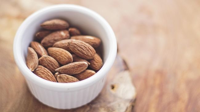 Pelaku diet masih bisa makan camilan, tapi perlu lebih selektif dalam memilih. Berikut 5 camilan sehat untuk diet yang bisa dikonsumsi tanpa khawatir gemuk.