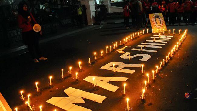 Kasus pembunuhan Marsinah sampai saat ini tidak terungkap. Namanya abadi jadi simbol perlawanan kaum buruh di Indonesia.