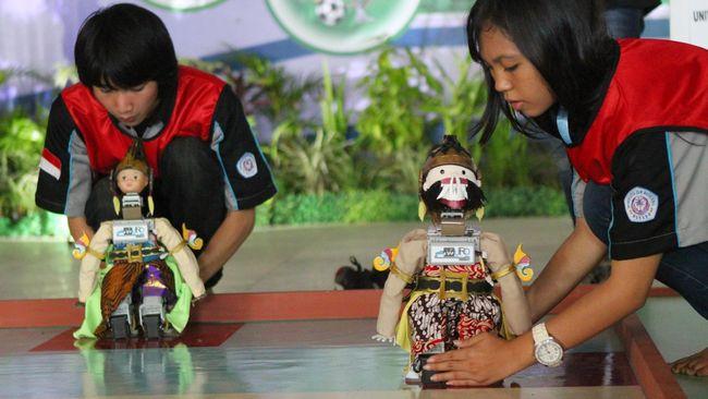 Kontes Robot Indonesia (KRI) yang sudah digelar sejak 2003 pada tahun ini diselenggarakan secara daring.