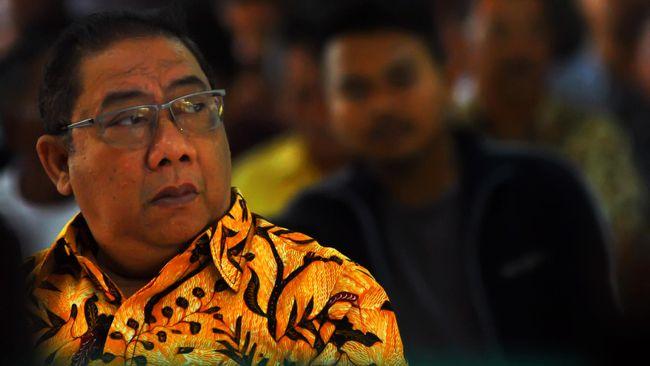 Dalam putusan kasasi, Mahkamah Agung menyebut Irianto Syafiuddin bersalah dan harus menjalani hukuman penjara selama empat tahun.