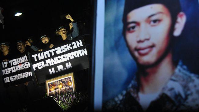 SETARA menilai keputusan itu bias politik karena Menkopolhukam Wiranto, saat terjadi kasus HAM Trisakti, Semanggi I dan II, merupakan pemegang komando atas TNI.