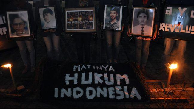 Sekretaris Umum IKOHI Zainal Muttaqin mengatakan pemerintah Jokowi baru mendorong pembentukan tim 98 dikomandoi Menkopolhukam, Jaksa Agung dan Komnas HAM.