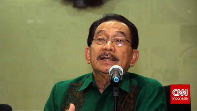 Menteri Negara Pemberdayaan BUMN era Soeharto, Tanri Abeng menyebut BUMN di Indonesia masih memiliki dua penyakit, pengawasan lemah dan cara pikir keliru.