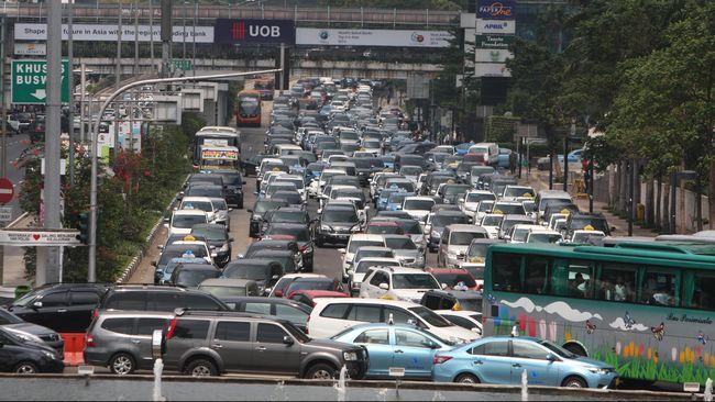 Pemerintah Provinsi DKI Jakarta dan Formula E Operation (FEO) meninjau Jalan Sudirman-Thamrin untuk jadi calon sirkuit Formula E.