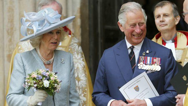 Pangeran Charles akan menggantikan ayah Meghan Markle, Thomas Markle yang batal datang ke pernikahan dan mengantarkan putrinya ke altar, Sabtu (19/5).