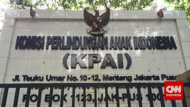 KPAI menyesalkan kebijakan Presiden Jokowi memberikan grasi kepada Neil Bantleman, terpidana kasus pelecehan seksual siswa Jakarta Intercultural School (JIS).