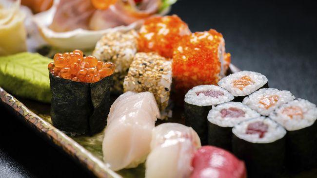 Sushi diklaim sebagai makanan sehat dan rendah kalori. Namun ada cara untuk membuatnya jadi lebih sehat dan rendah kalori lagi.