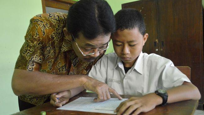 Bank Dunia menyebut bahwa kualitas pendidikan di Indonesia masih rendah, meski perluasan akses pendidikan dianggap sudah meningkat cukup signifikan.