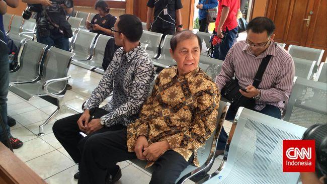 Hadi Poernomo keberatan dengan langkah penyidik KPK sejumlah barang yang tak terkait kasus dugaan korupsi yang disangkakan kepadanya.