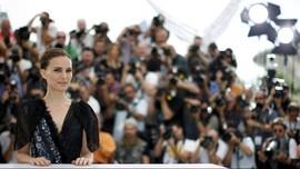 Natalie Portman Sumbang Suara di Film Musikal 'Vox Lux'