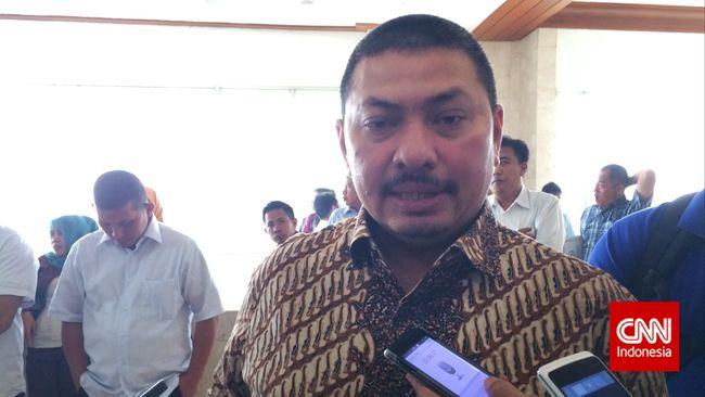 Bakal calon Ketua PAN Mulfachri membantah ada pertarungan Jokowi vs Amien Rais di pemilihan Ketua PAN.