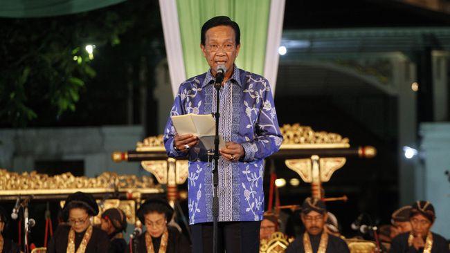 Gubernur Yogyakarta Sri Sultan Hamengku Buwono X meminta warganya tak menggelar resepsi pernikahan selama wabah virus corona. Cukup akad nikah.
