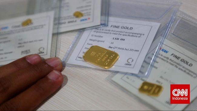 Harga emas Antam turun Rp1.000 menjadi Rp662 ribu per gram pada Rabu (22/5). Di pasar internasional, harga emas turun 0,3 persen jadi US$1,273 per ons.