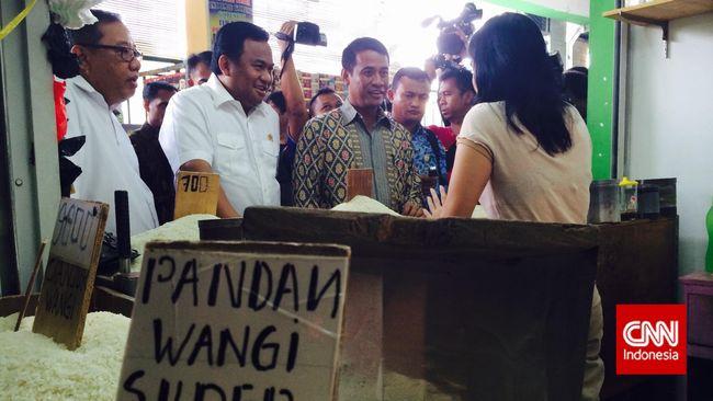 Menyusul ditemukannya beras mengandung plastik di Bekasi, Kementerian Perdagangan akan mengatur peredaran merek beras dan izin distribusinya.