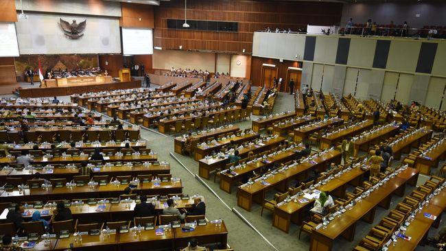 Fraksi Partai Demokrat menyebut upaya mematikan mikrofon yang diduga dilakukan Ketua DPR Puan Maharani sebagai ancaman demokrasi.