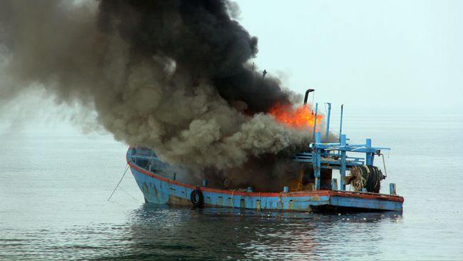 Malaysia Tenggelamkan Enam Perahu Penerobos Wilayah Laut