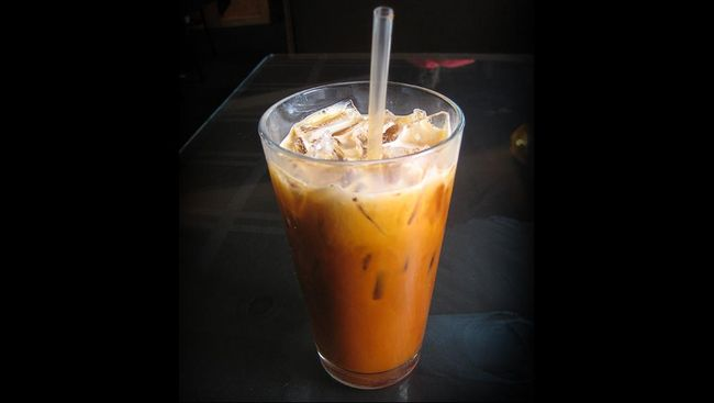 Thai tea juga bisa dibuat sendiri untuk menu minuman segar berbuka puasa. Yuk buat sendiri thai tea segar ini di rumah.
