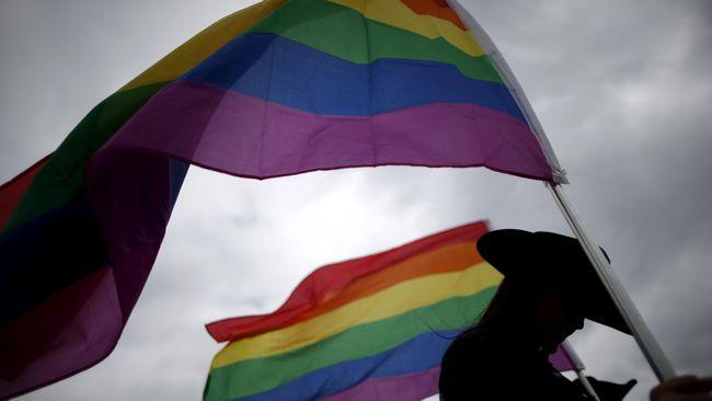 Pemkab Cianjur mengeluarkan surat edaran agar semua pengurus masjid jami menyajikan ceramah soal bahaya LGBT dan HIV/AIDS dalam khutbah Jum'at (19/10).