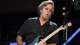 Eric Clapton Umbar Efek Samping Vaksin Covid-19 AstraZeneca
