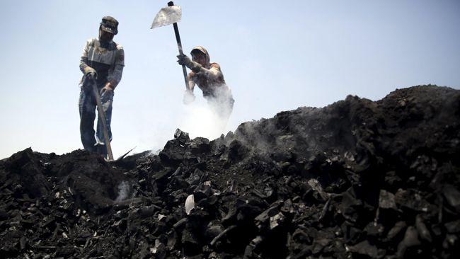Kementerian ESDM bakal mencabut rekomendasi ekspor perusahaan tambang mineral dan batu bara yang tidak menempatkan devisa hasil ekspor di dalam negeri.