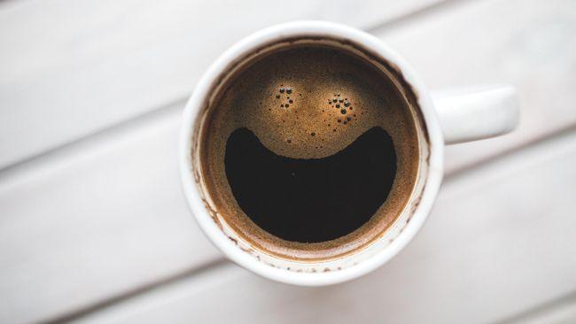 Kopi tak hanya jadi minuman yang dapat mencegah ngantuk. Temuan terbaru menunjukkan kopi cegah paparan Covid-19.