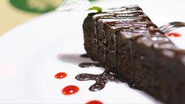 Membuat Brownies Sederhana untuk Suguhan Lebaran