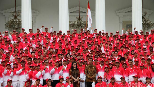 Komandan Kontingen SEA Games Taufik Hidayat berharap sanksi FIFA pada Indonesia bisa dijadikan motivasi untuk berprestasi bagi timnas di ajang SEA Games.