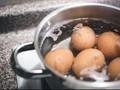 Cara Mudah Kupas Telur Rebus dengan Mulus