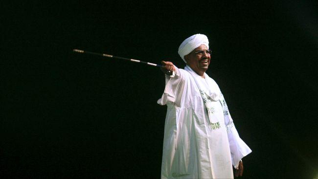 Angkatan bersenjata Sudan menyatakan menangkap Presiden Omar al-Bashir. Dia sebelumnya dilaporkan mundur dari jabatannya setelah tiga dasawarsa berkuasa.