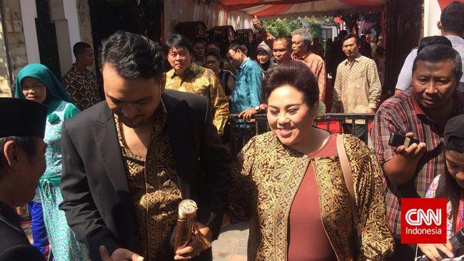 Nunung merasa bahwa pernikahan Gibran dan Selvi ini tidak seperti dengan acara kepresidenan lainnya yang ketat.