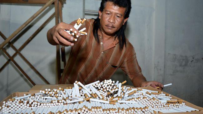 Pada 2013 terjadi 17.288 kasus PHK buruh rokok bersamaan dengan ekspansi pabrik rokok melalui penambahan mesin berkapasitas 1,5 miliar batang per tahun.