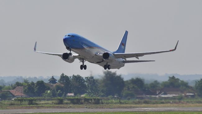 Istana mengklaim pesawat Boeing 777-300 ER milik Garuda Indonesia yang disewa Jokowi bisa menghemat anggaran dan memangkas perjalanan ke AS.