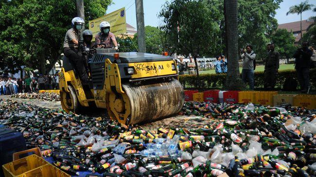 Karopenmas Polri menyatakan kepolisian tak bisa memberi tanggapan dan komentar terkait pembahasan RUU larangan minuman beralkohol yang dibahas DPR.