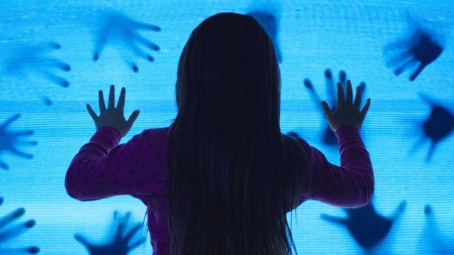 Produser dan sineas Adam Ripp berencana memproduksi film dokumenter The Curse of Poltergeist, mulai November ini.