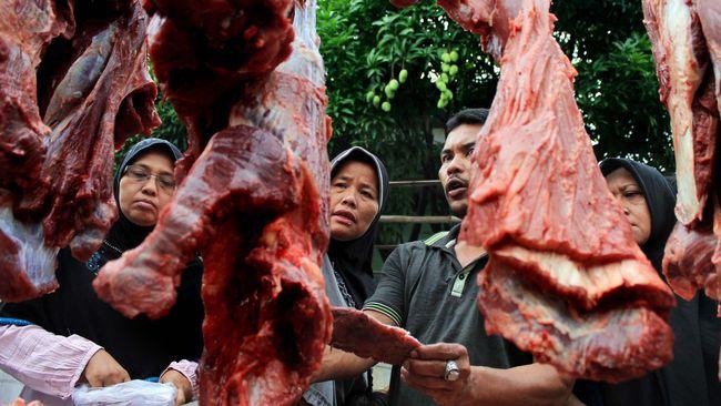 Bulog menyatakan izin impor daging kerbau dari India segera keluar untuk mengantisipasi kenaikan permintaan daging.