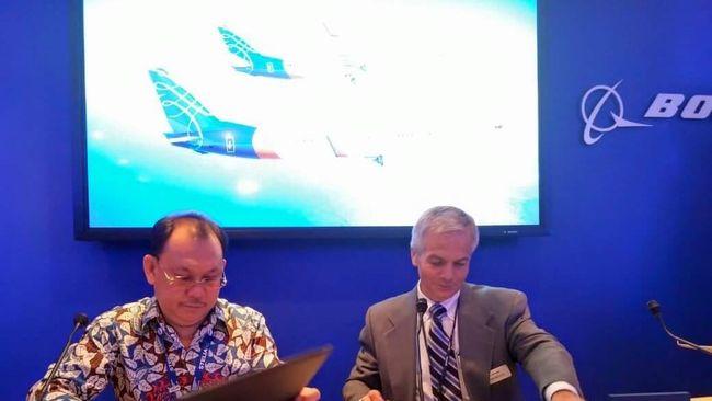 Kehadiran Boeing 737-900 ER pada Agustus 2015 merupakan yang pertama kali bagi maskapai besutan pengusaha Chandra Lie.