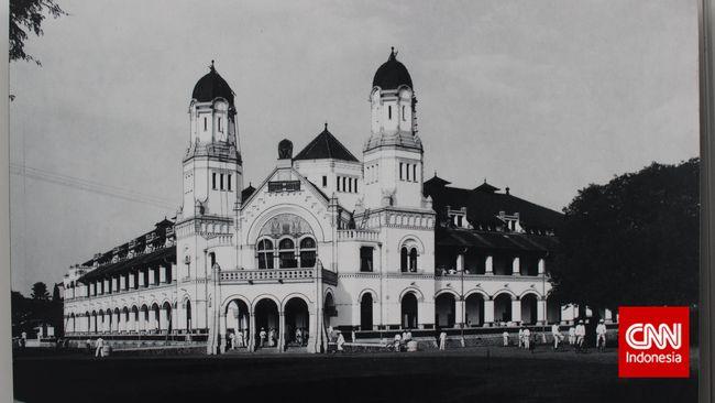 Dianggap angker dan sarang hantu, Lawang Sewu ternyata menyimpan kecerdasan arsitektur bangsa Belanda. Bangunannya terus kokoh hingga kini.