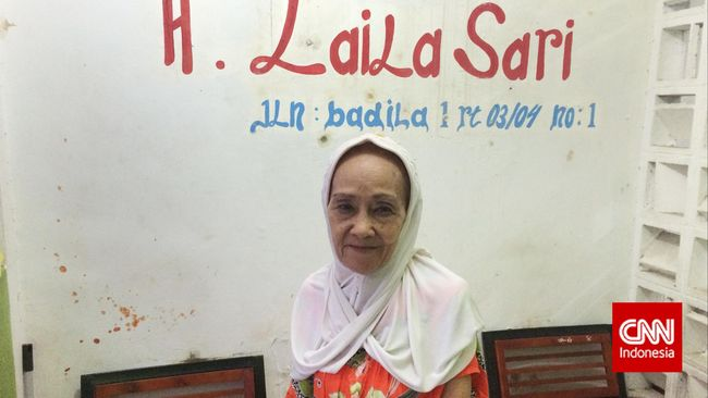 Artis senior Laila Sari kerap tampil di berbagai program televisi. Namun, seiring berjalan waktu, tawaran pekerjaan mulai berkurang.