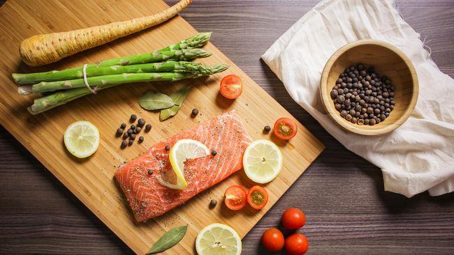 Sejumlah makanan dinilai sehat untuk penderita diabetes. Penderita diabetes harus meminimalisasi konsumsi gula dan garam.