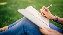 7 Manfaat Journaling, Kurangi Overthinking dan Redakan Stres