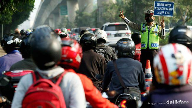 Jarak 43 kilometer dinilai jadi batas kemampuan pengemudi sepeda motor. Polisi mengimbau pemudik sepeda motor istirahat setelah menempuh jarak sejauh itu.