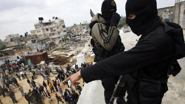 Militer Amerika Serikat berencana mempersenjatai koalisi militan yang menjadi musuh bebuyutan ISIS di utara Suriah.