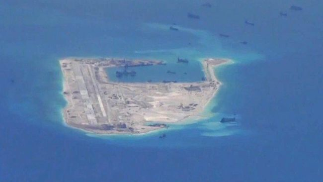 Presiden Xi Jinping menegaskan negaranya siap selesaikan perebutan Laut Cina Selatan melalui perundingan damai meski akan lindungi kedaulatan negaranya.